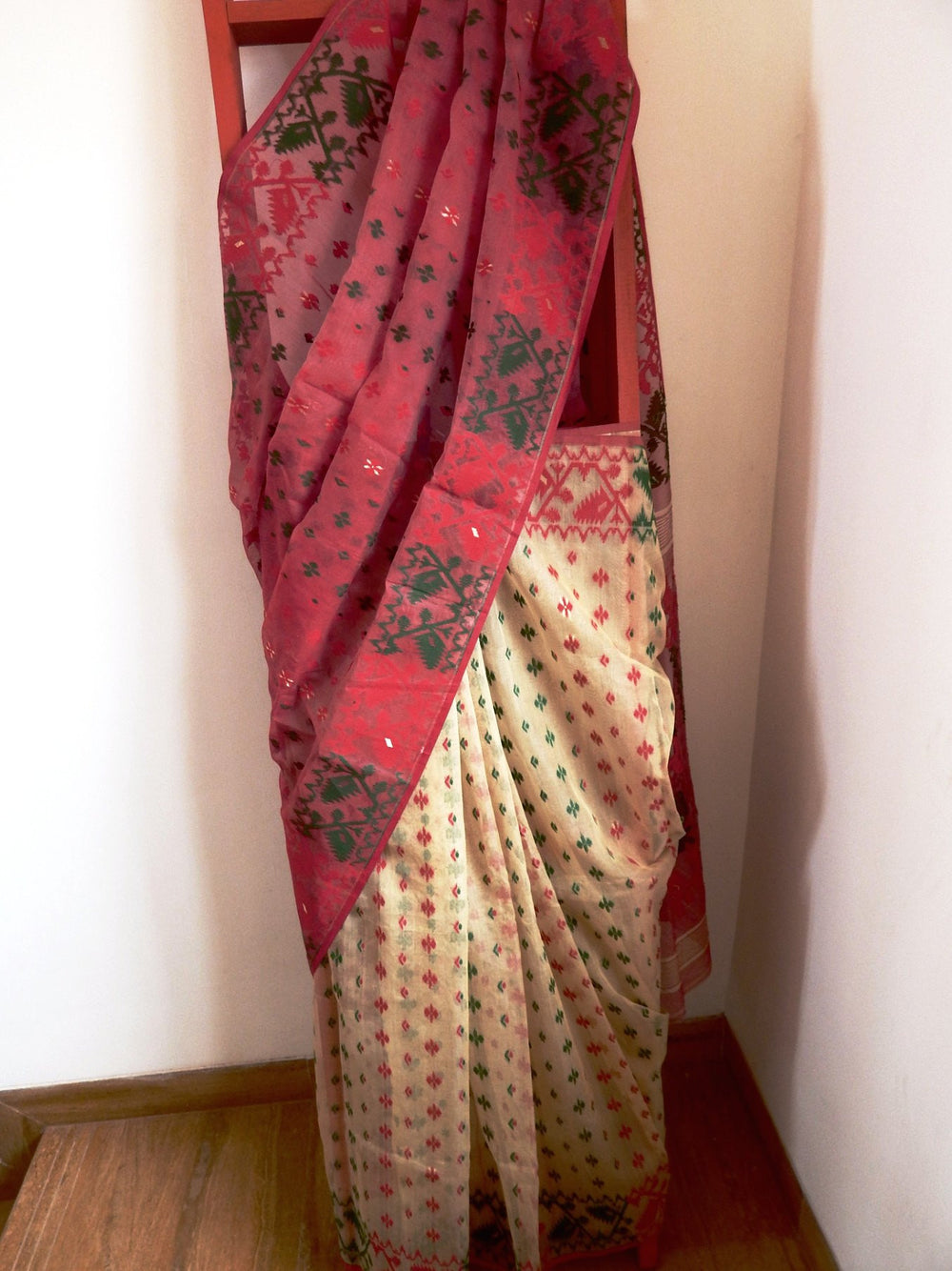 Bengal weaves series featherlight VII jamdani saree a