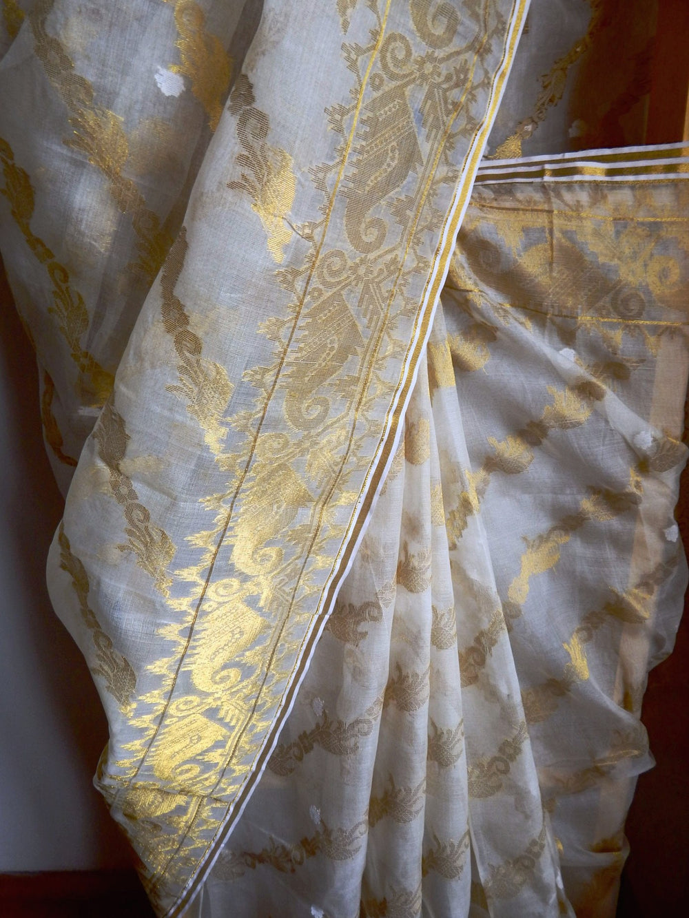 Bengal weaves series featherlight IX jamdani saree b