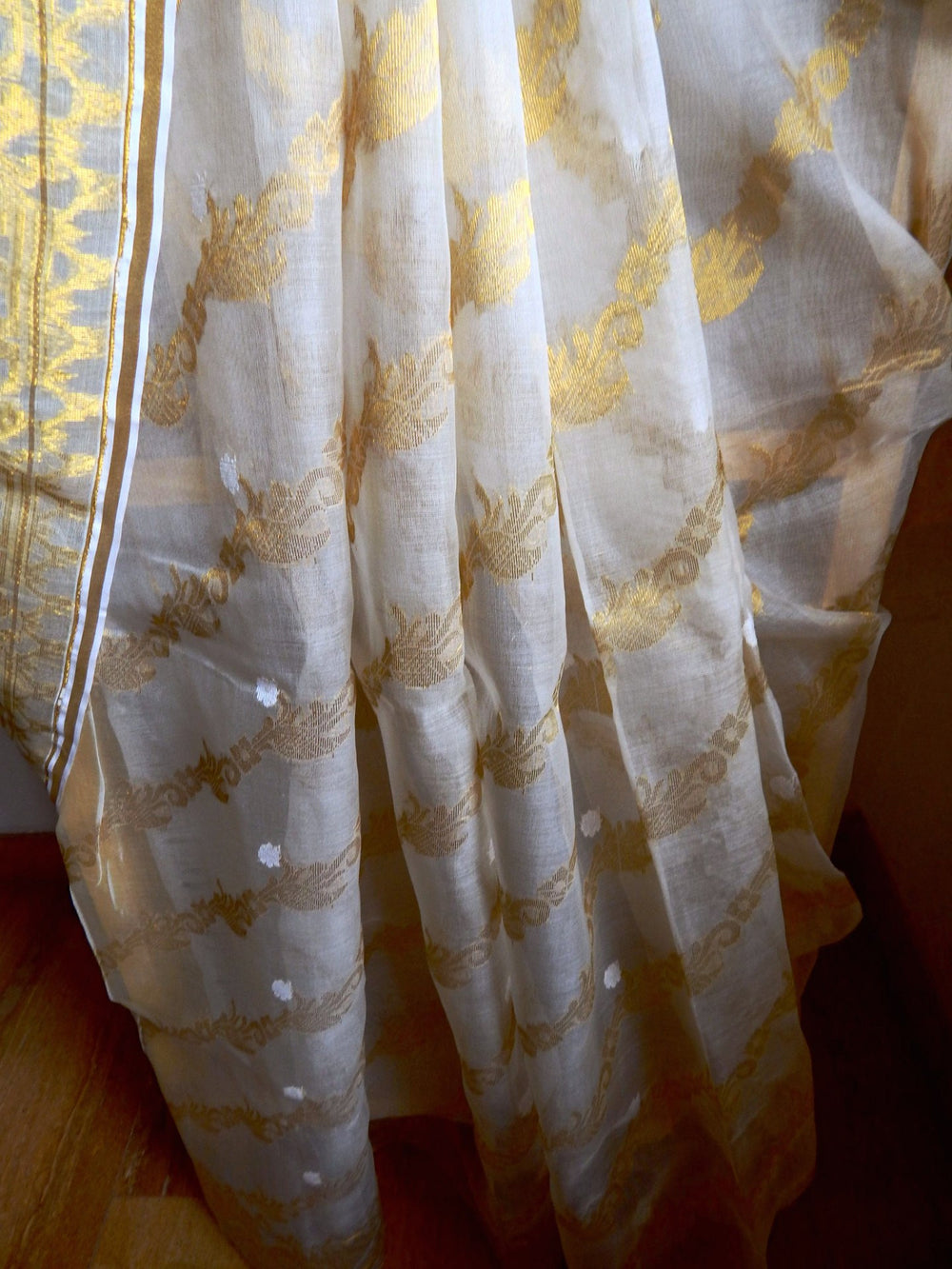 Bengal weaves series featherlight IX jamdani saree c