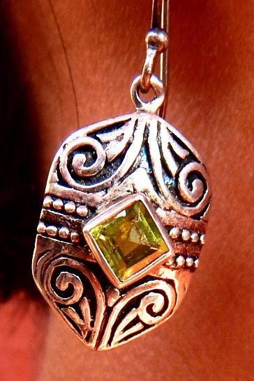 Marigold I peridot silver earrings a
