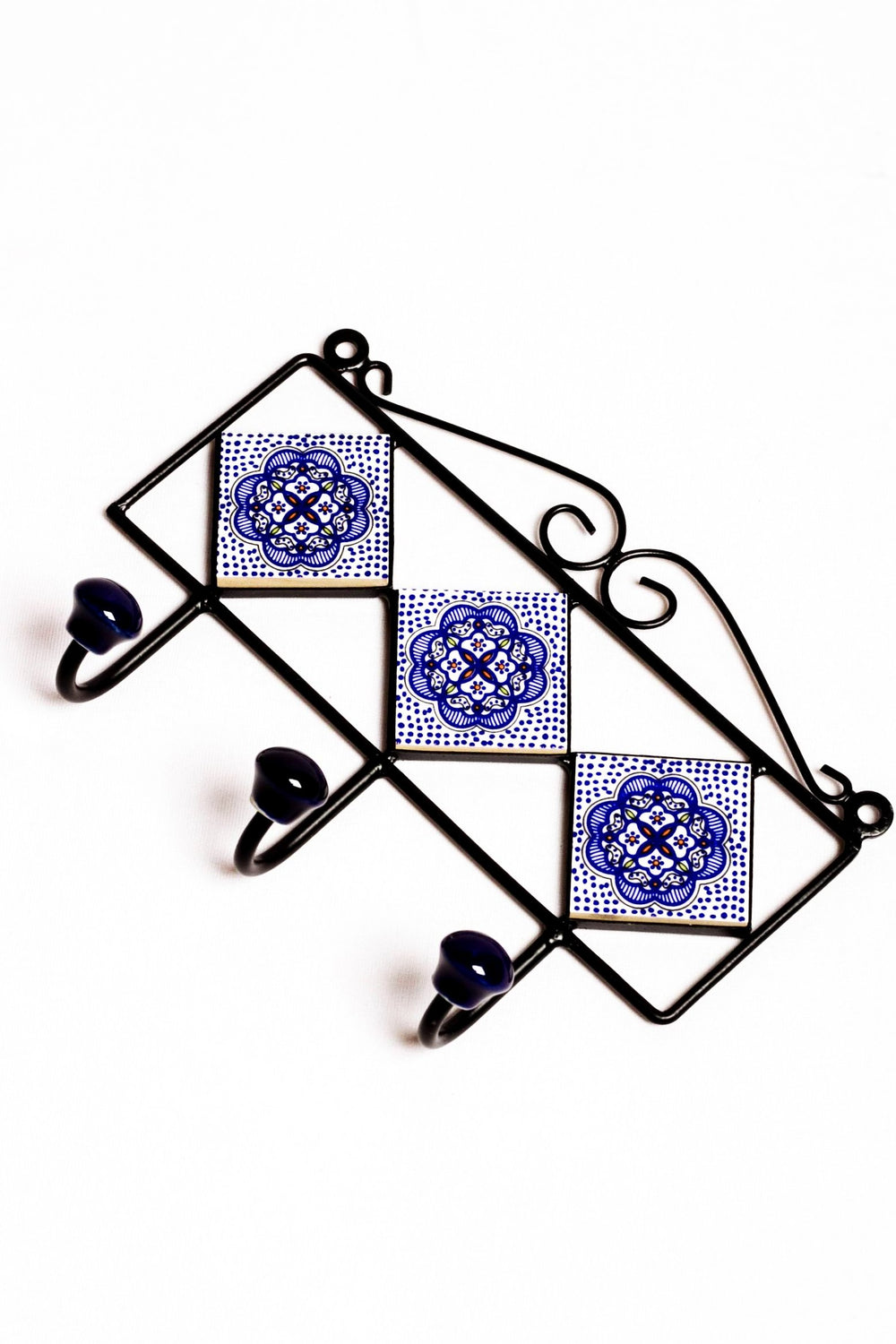 Metal and ceramic 3 tile 3 hook frame in white with red and blue floral motif