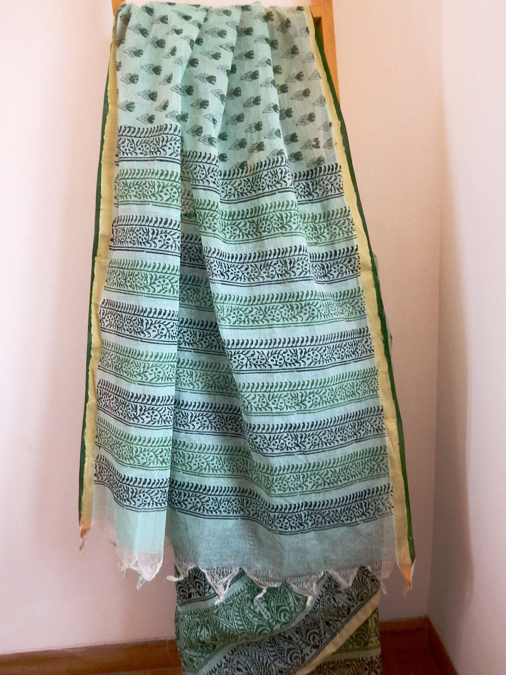 Bengal weaves series featherlight I cotton hand blocked printed saree c