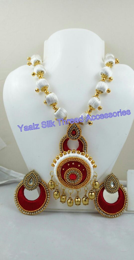 Beautiful Yaalz Chain Neckset & Matching Chand Bali Earring Combo In White & Red AX27