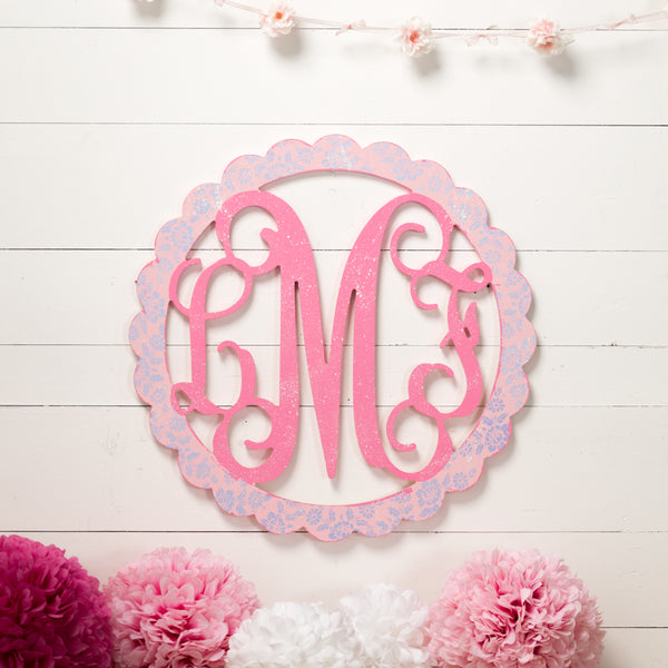3 Letter Monogram with Scalloped Frame - 2 Sizes
