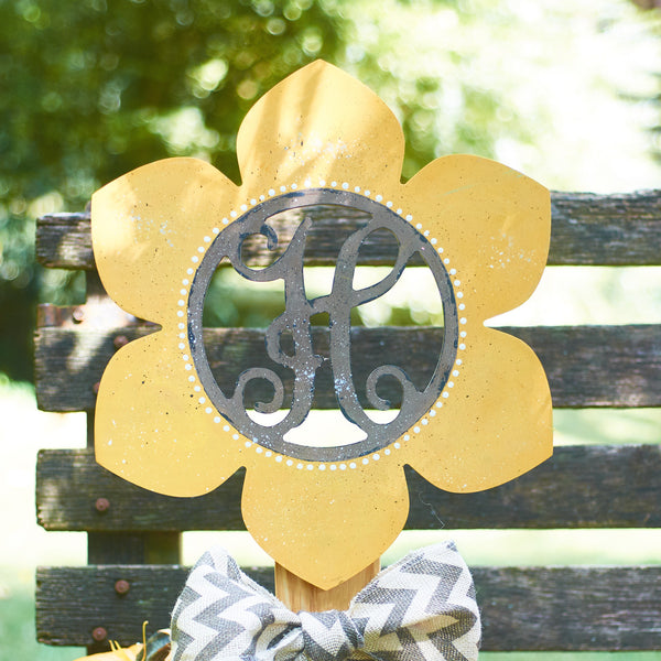 Pointy Flower Vine Monogram