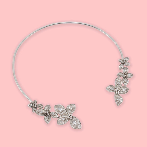 Elle Fleurs Necklace WHITE - NEW IN