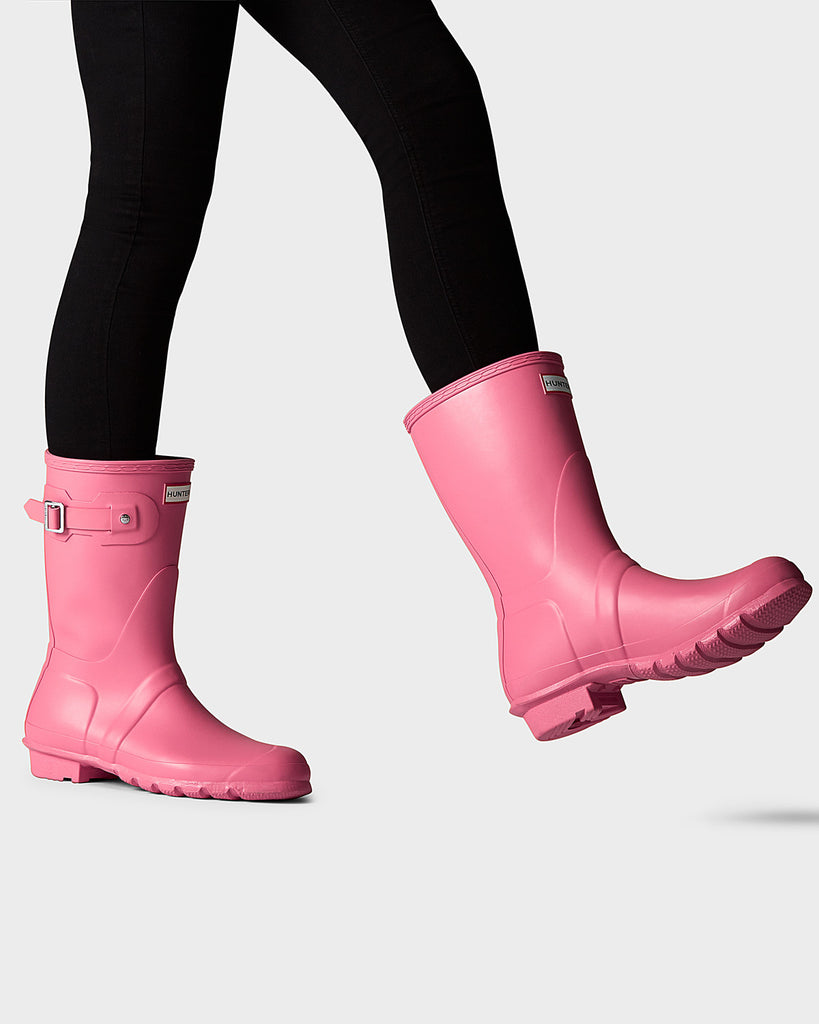Hunter Boots womens short pink matte