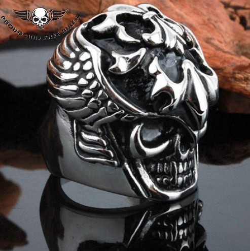 Fanged Skull Ring