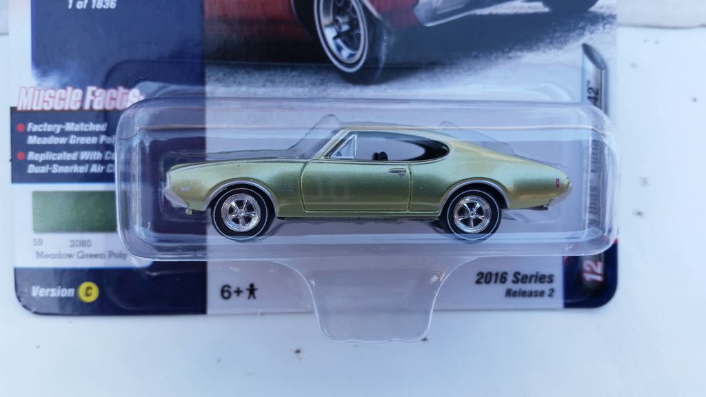 Johnny Lightning Muscle Cars 2016, Release 2C, 1969 Olds Cutlass 442