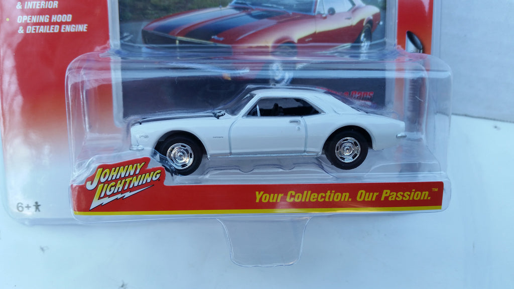 Johnny Lightning Muscle Cars 2016, Release 2B, 1967 Chevy Camaro Z28