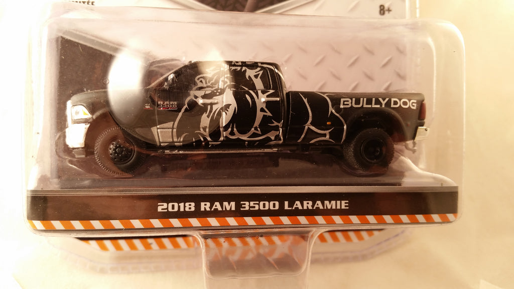 Greenlight Dually Drivers, Series 1, 2018 Ram 3500 Laramie - Black