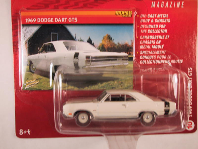 Johnny Lightning Mopar Muscle Magazine, Release 10, 1969 Dodge Dart GTS