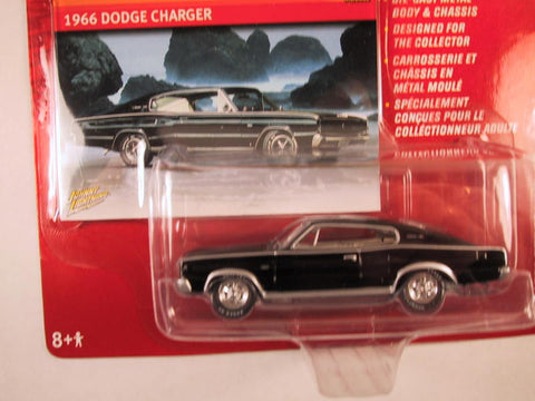 Johnny Lightning Mopar Muscle Magazine, Release 10, 1966 Dodge Charger