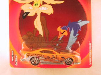 Hot Wheels Pop Culture 2013, Looney Tunes, '70 Pro Stock Camaro, Road Runner and Wile E. Coyote