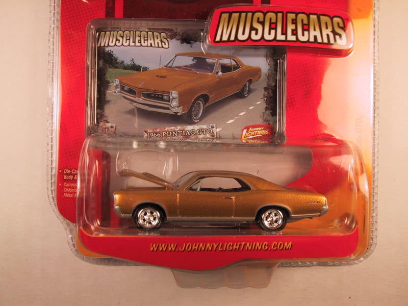 Johnny Lightning Muscle Cars, Release 17, '66 Pontiac GTO
