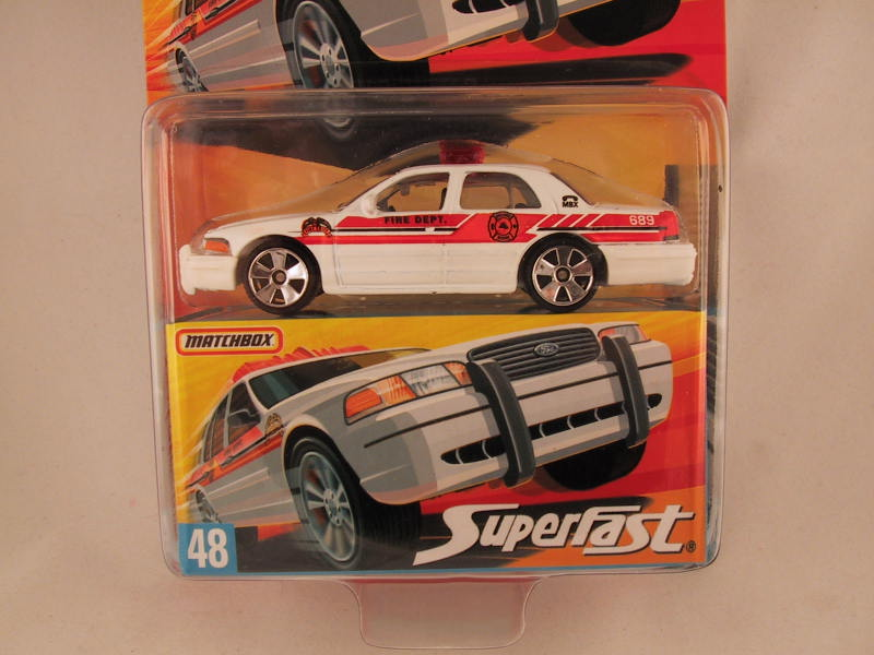 Matchbox Superfast 2006-2007, #48 Ford Crown Victoria - Damaged Card