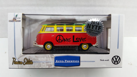 M2 Machines Toy Fair 2014, 1960 VW Microbus Deluxe USA Model