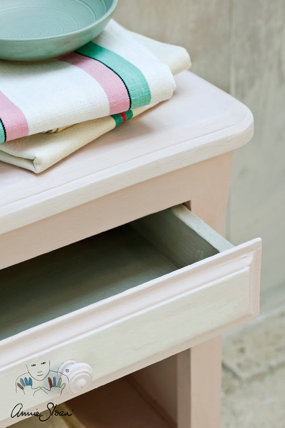 Annie Sloan Chalk Paint Antoinette Side Table 1