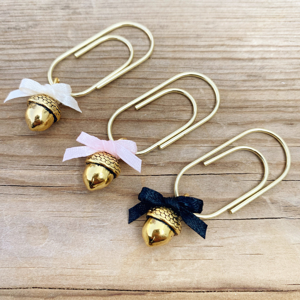 CHARM DANGLE Gold Acorn with Bow Paperclip