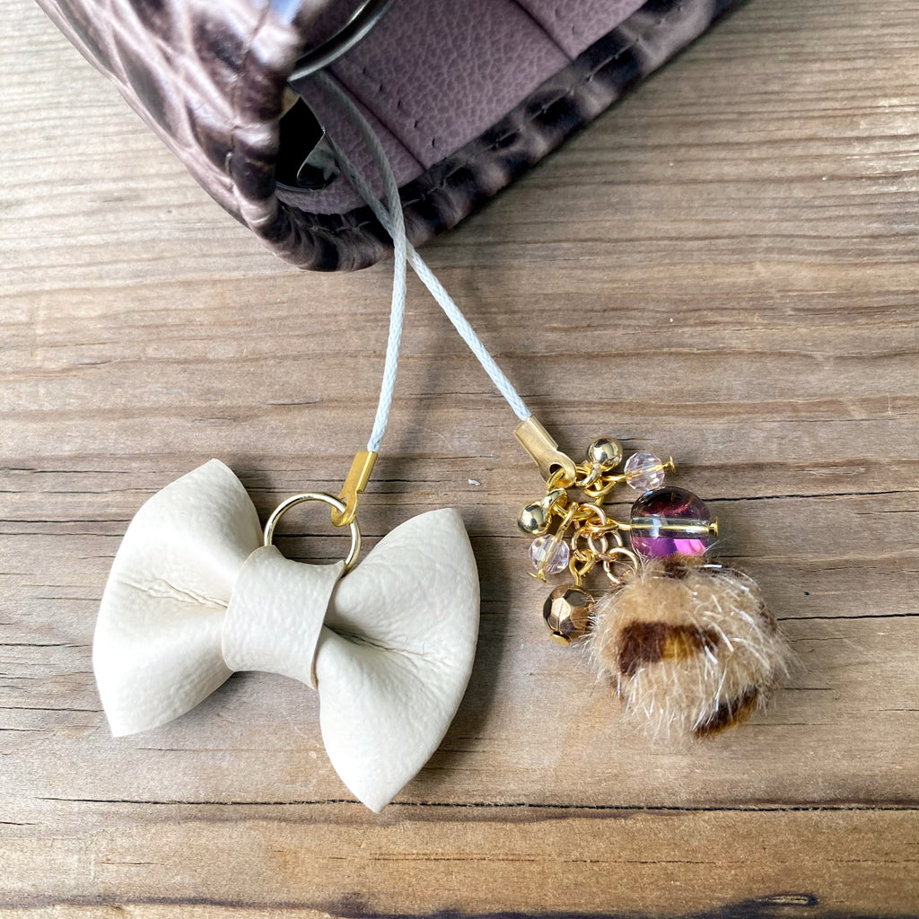 PLANNER TAIL or BOOKMARK LILY BOW Vanilla Creme Bow x Tan Leopard furry bead