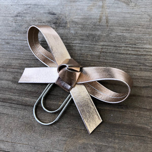 LOLA BOW Metallic Rose Gold Bow Paperclip