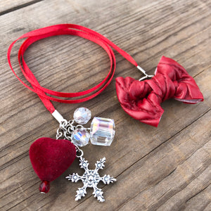 PLANNER TAIL or BOOKMARK LILY BOW Red Cable Knit Bow