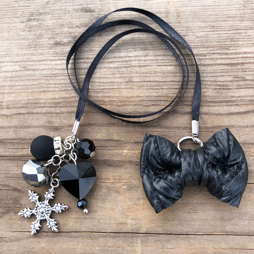 PLANNER TAIL or BOOKMARK LILY BOW Black Cable Knit Bow