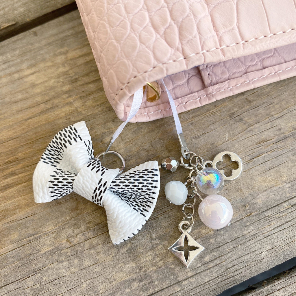 PLANNER TAIL or BOOKMARK MINI BOW Dame Chic Collection White Damier Bow