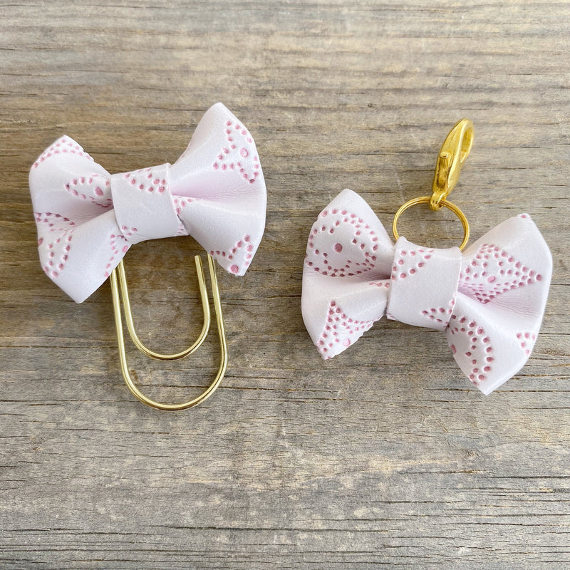 LILY BOW Dame Chic Collection Blush Empreinte Bow Paperclip or Bow Clasp