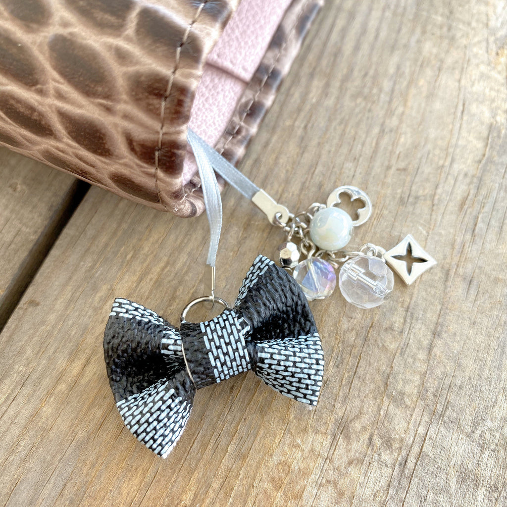 PLANNER TAIL or BOOKMARK LILY BOW Dame Chic Collection Soft Sky Damier Bow