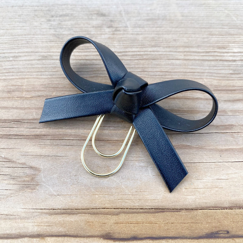 LOLA BOW Classic Black Faux Leather Bow Paperclip