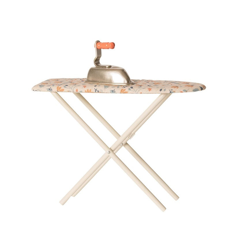 Maileg - Iron and Ironing Board