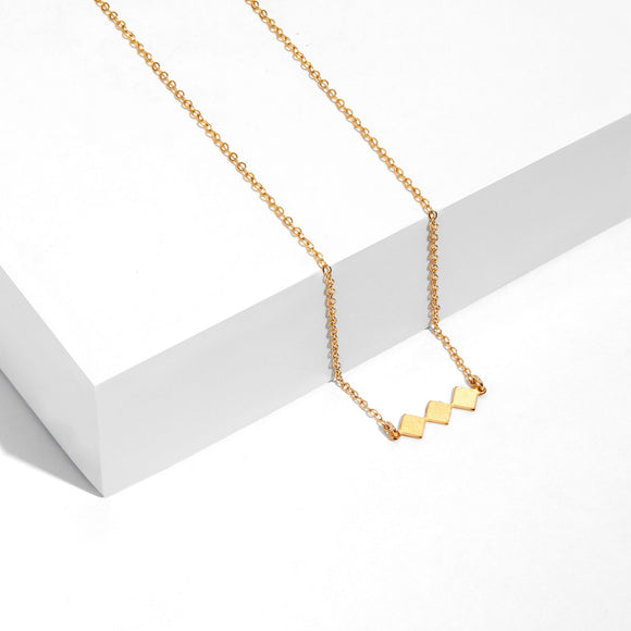 Vesta - Tiny Diamonds Shapes Necklace
