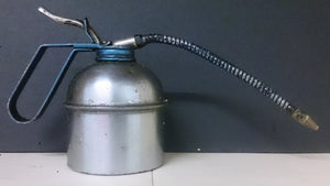 Oil Can, Brevettato Translated Means PATENTED, Made In Italy - Roadshow Collectibles