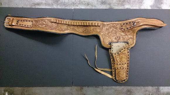 Tanned Leather Belt & Holster, Right Hand, Two-Toned, Floral Tooling - Roadshow Collectibles