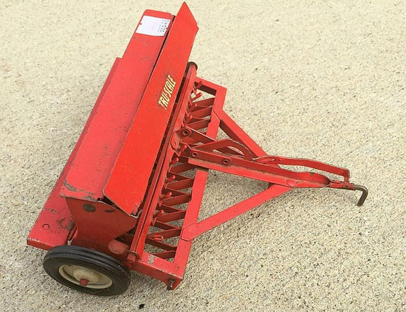 Toy Tru-Scale Farm Equipment Pressed Steel Disc Grain Seeder Red U.S.A - Roadshow Collectibles