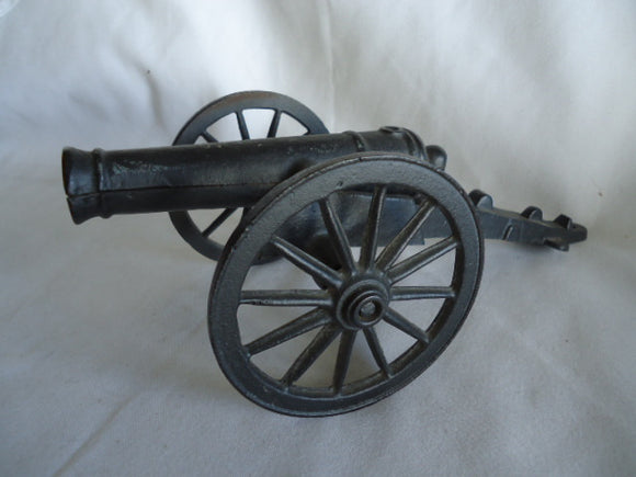 Toy Model Cannon, 12-pounder Model 1841 Field Howitzer, Cast Iron - Roadshow Collectibles