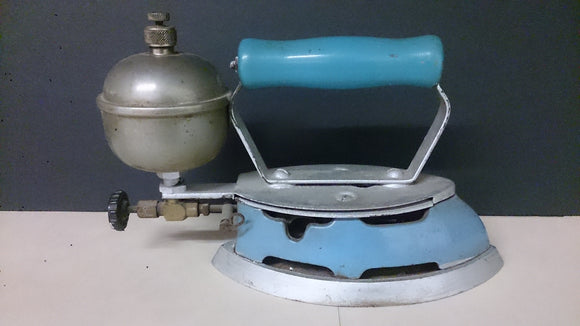 Coleman Steam Iron, Water Reservoir, Baby Blue, Made In The USA - Roadshow Collectibles