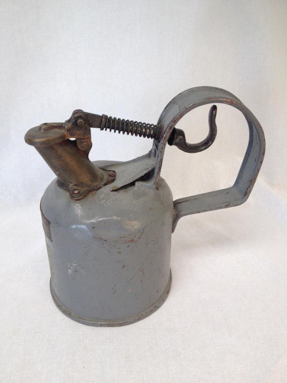 GWD Gas Fuel Canister Safety Can 1 Self Closing Spout 1 Quart Chicago - Roadshow Collectibles
