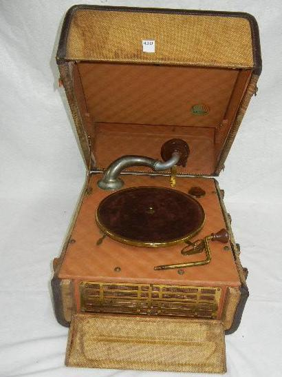 Silvertone Portable Phonograph Player, 78 rpm, Hand Cranked - Roadshow Collectibles