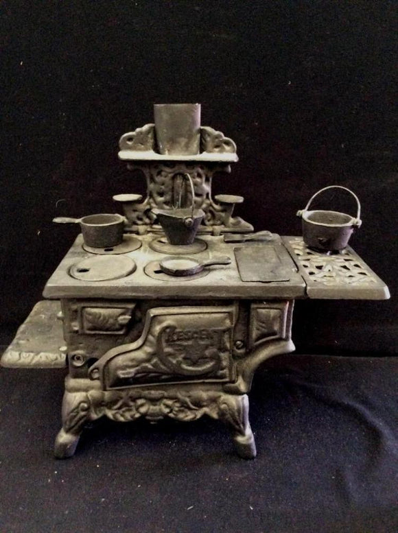 Antique, Cast Iron Mini Crescent Salesman Sample Cook Stove, with Matching Mini Cast Iron Cookware - Roadshow Collectibles
