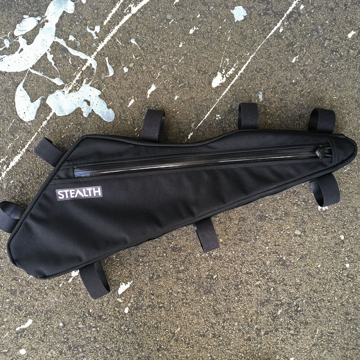 Frame bag made to fit full suspension