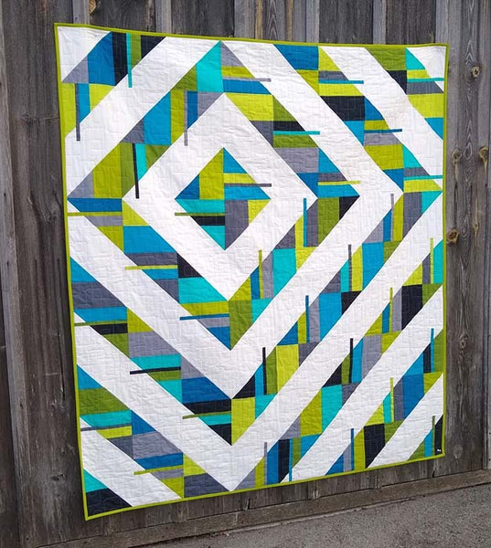 Fractured Modern Quilt pattern by Thangles
