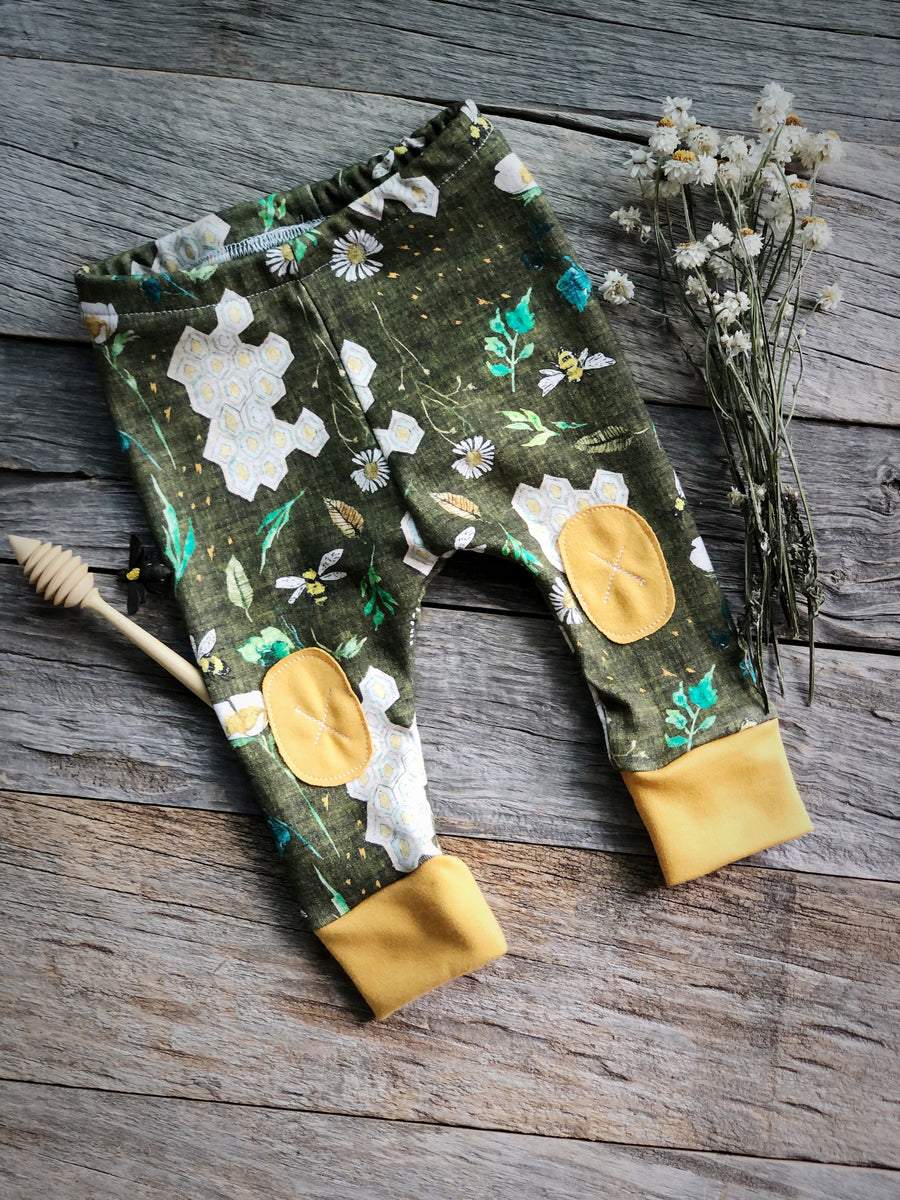 Garden Bee in Green |  Adventure Leggings