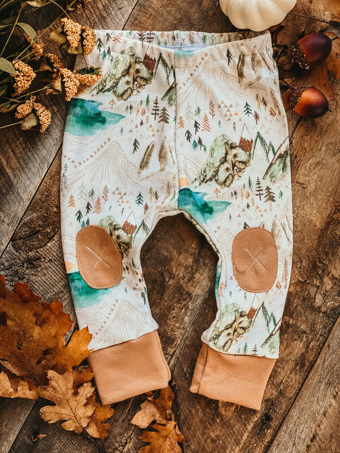 Valley of the Sun | Olive Adventure Leggings