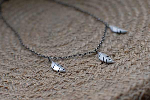3 feather necklace