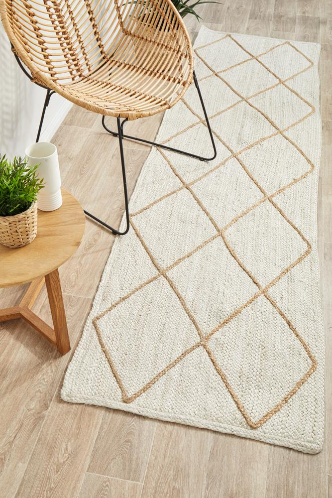 Jute Noosa Cross in White