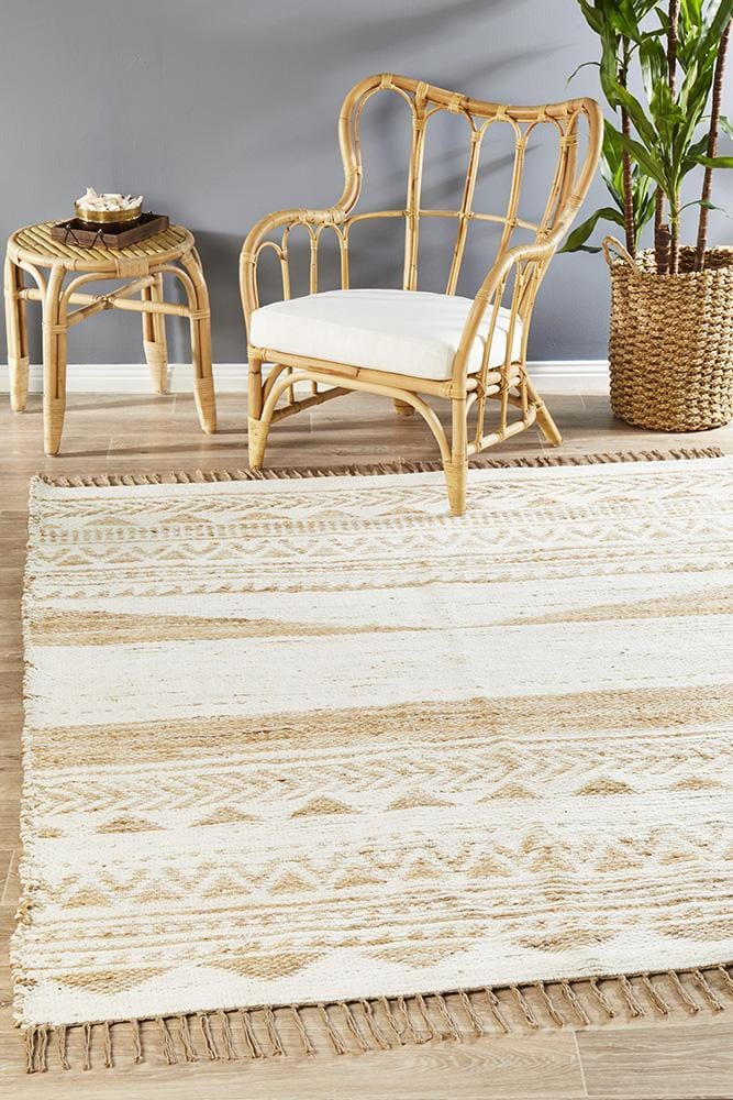 Parade Rug in White
