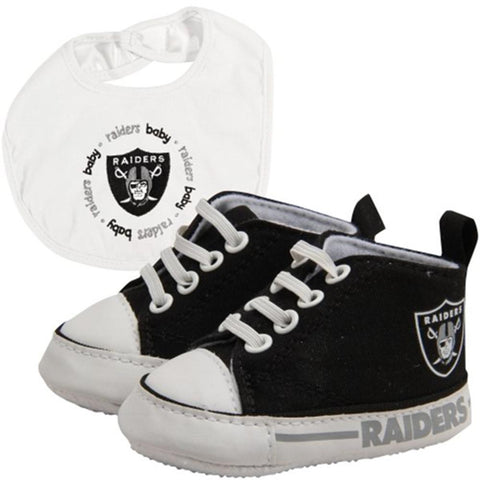 Oakland Raiders Nfl Infant Bib And Shoe Gift Set