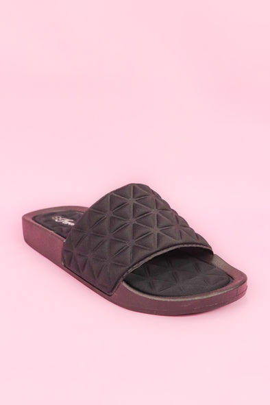 Jeans Warehouse Hawaii - SLIPPERS - QUILTED SLIDE | By FOREVER LINK